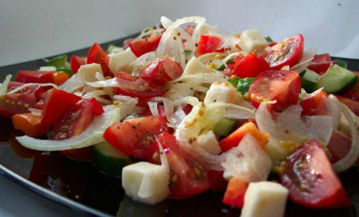 Салат с брынзой и овощами рецепт с